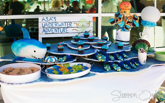Coral Reef Dessert Table: Underwater Adventure
