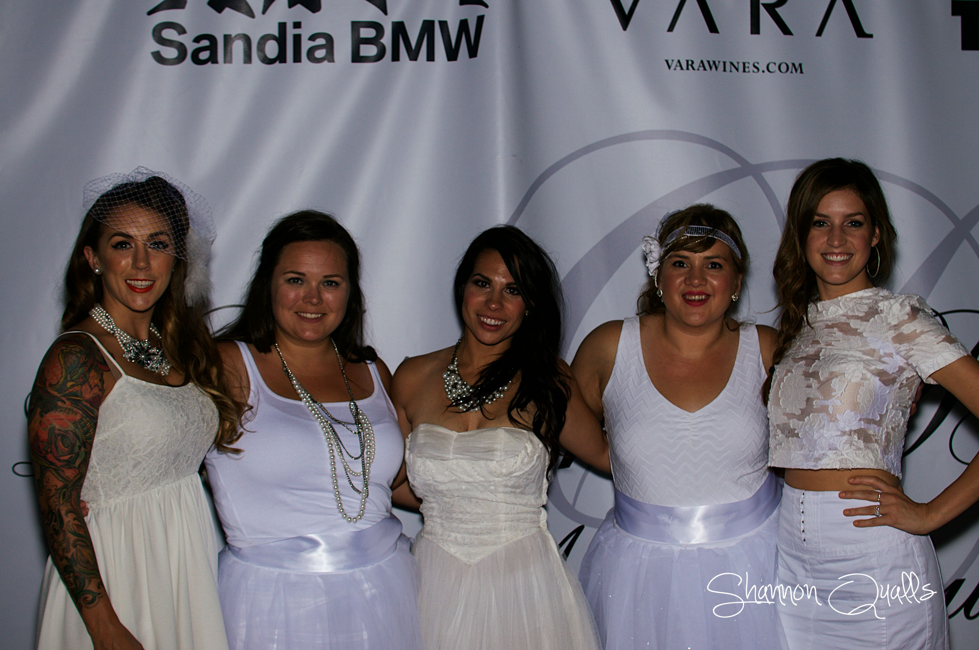 Diner en Blanc with the girls from shannonqualls.com