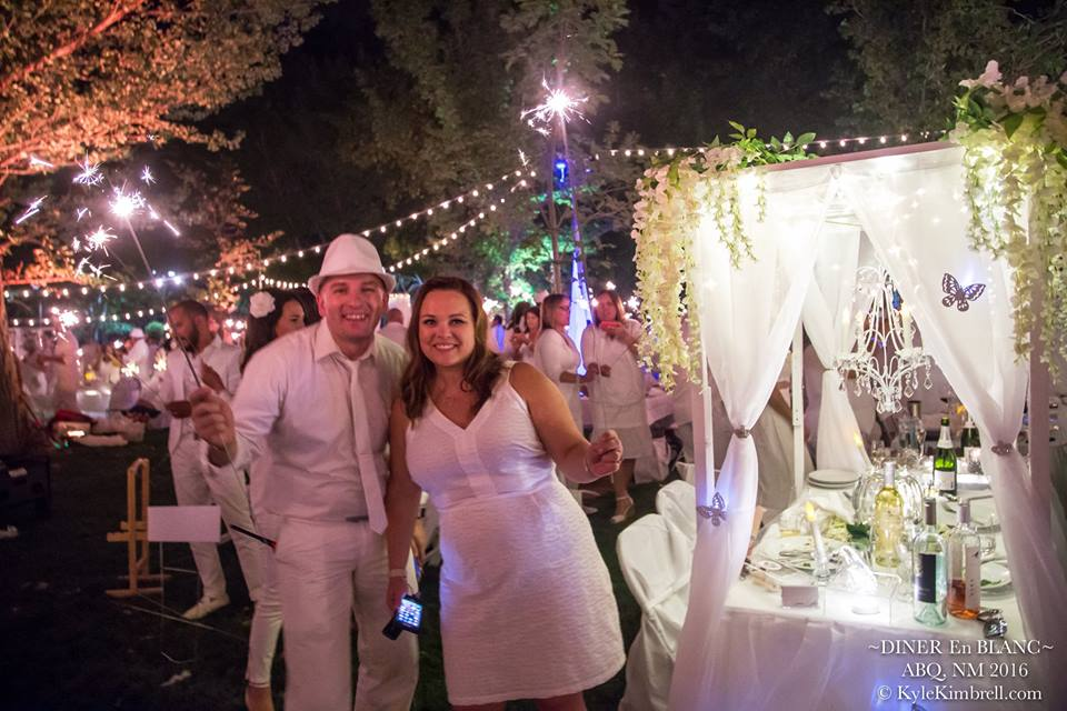 Diner en Blanc Albuquerque 2016 from shannonqualls.com photo courtesy of Kyle Kimbrell photography